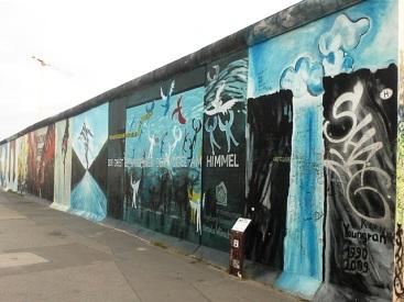Berlin Wall Art 18